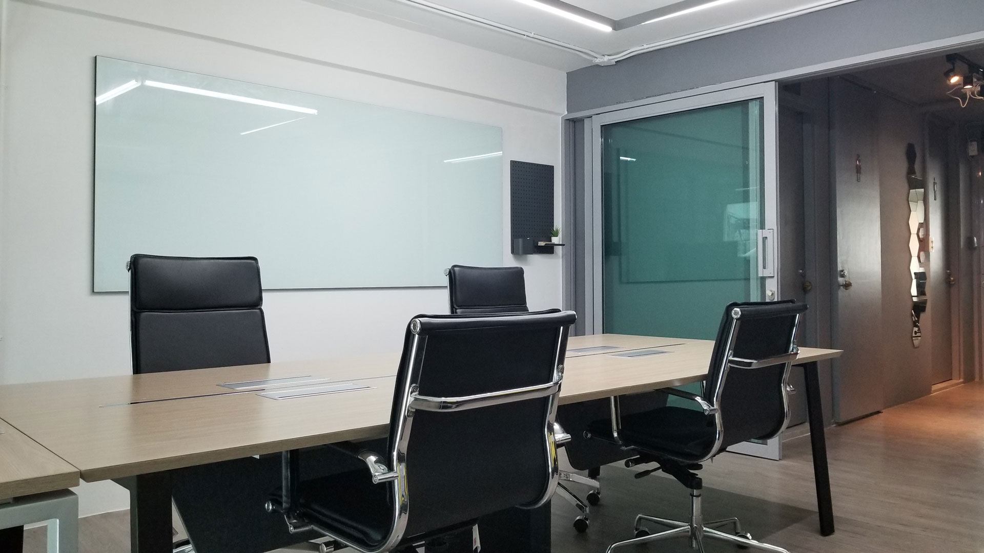 small-meeting-room11