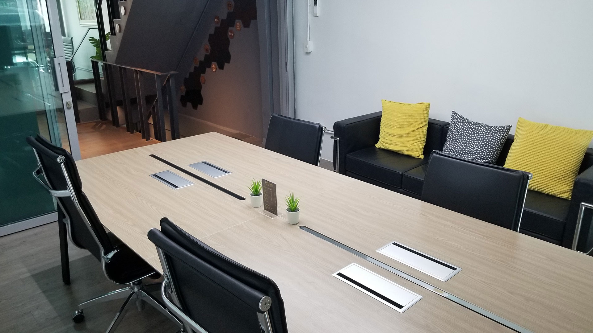 small-meeting-room6