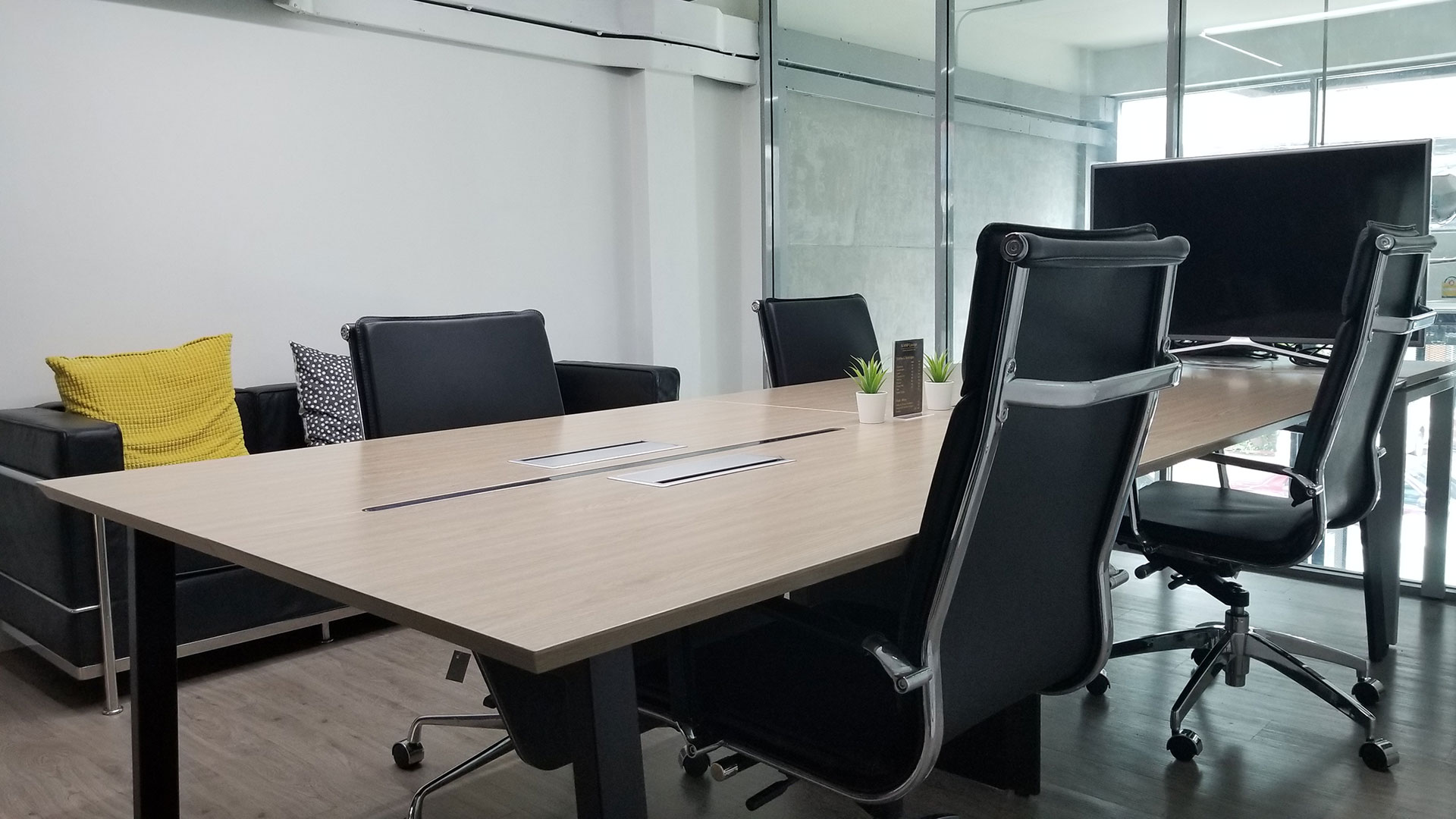 small-meeting-room7